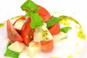 アボカドとトマトの簡単マリネサラダ仕立て
